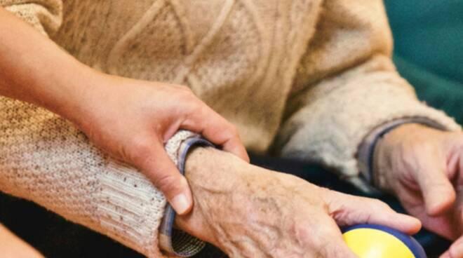 oss anziani cura
