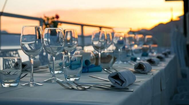 ristorante - tavolo apparecchiato