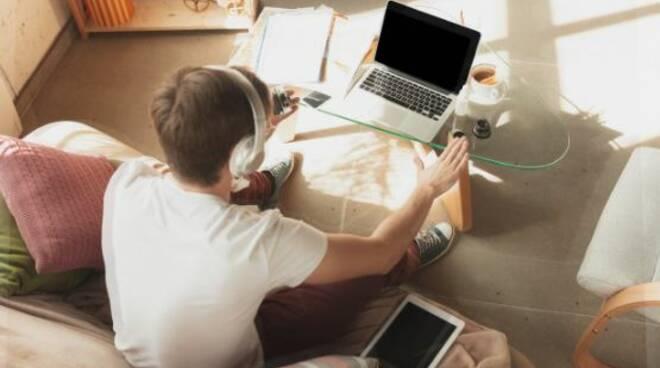 studente dad computer adolescente