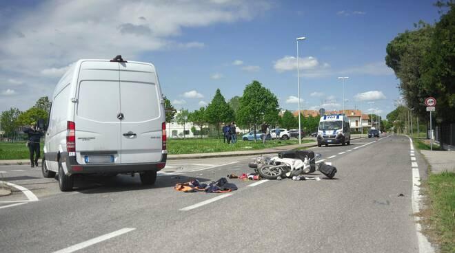 incidente scooter contro furgone madonna dell'albero