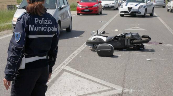 incidente stradale viale europa