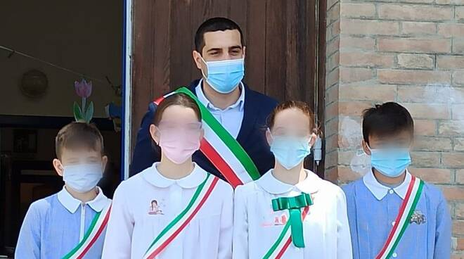 sindaco de Pascale e alunni di Castiglione