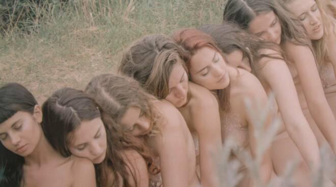sorelle di corpo