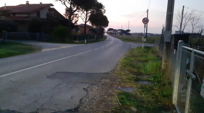 Via Romea vecchia senza illuminazione