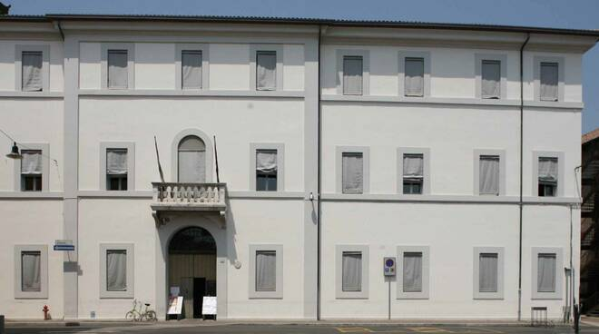 Biblioteca Trisi