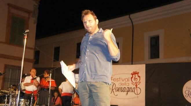 Francesco Gobbi durante una serata