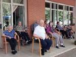 Pomeriggio di canzoni e allegria per gli ospiti della comunità alloggio per anziani di Voltana