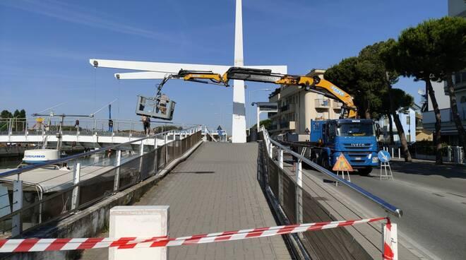 Ponte mobile fiume Uso