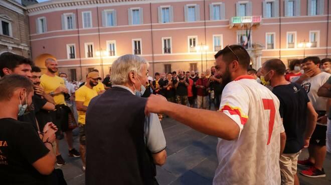 ultras ravenna in protesta