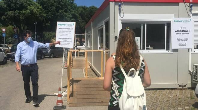 vaccinazione in azioneda - hub aziendale Romagna Nuova ricerca Rimini