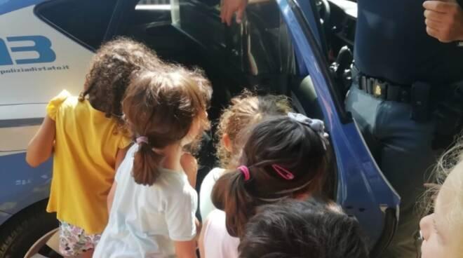 bambini e polizia