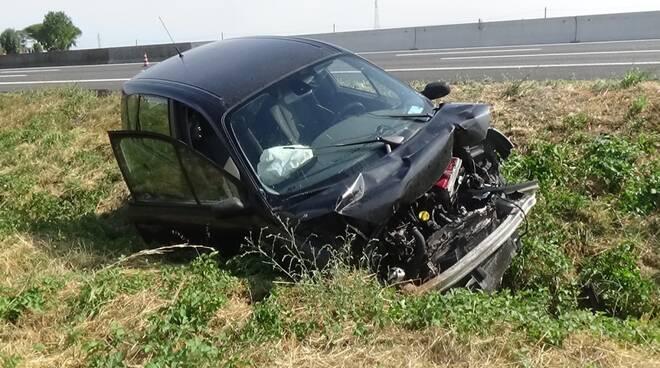 Incidente in autostrada all'altezza di Reda: grave un anziano