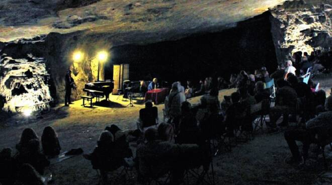 Musica_in_grotta