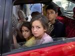 popolo afghano (foto dalla pagina FB dell'Unione dei Comuni della Bassa Romagna)