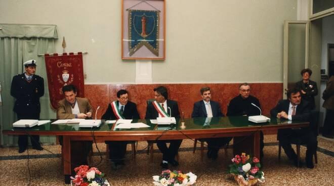 firma gemellaggio Russi