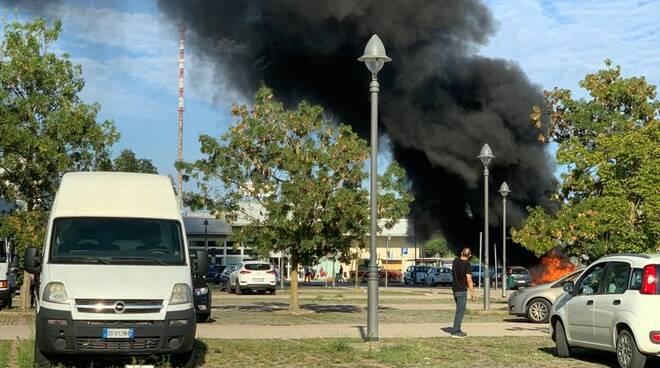 incendio_ravenna_auto_2
