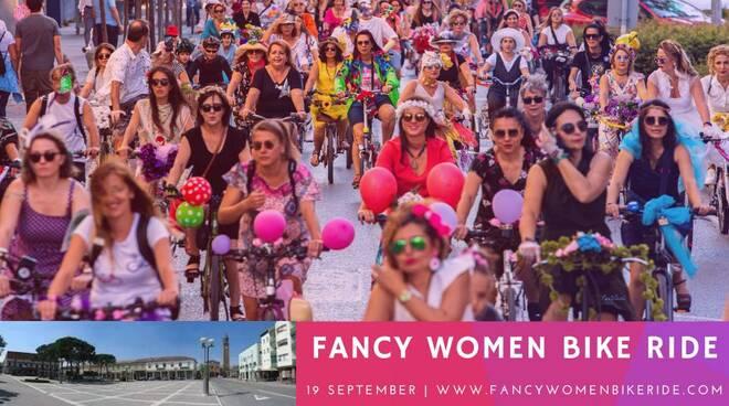 Fancy_Women_Bike_Ride