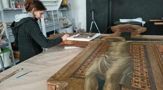 restauro croce di Mercatello Giovanni da Rimini  - mostra Rimini 2021