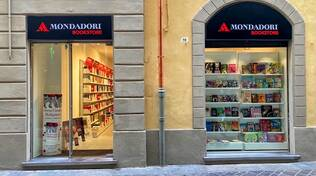 apre mondadori store in via corrado ricci a Ravenna
