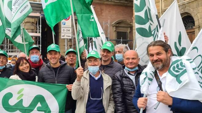 Confagricoltura e cia sit-in davanti alla prefettura di Bologna