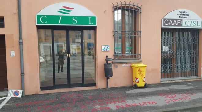 scritte no vax Forlì