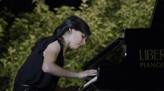 """Sofia Donato della Scuola Malerbi di Lugo vince il primo premio alla competizione internazionale """"Young Verona Piano Competition"""""""