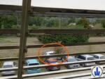 Travestito da runner ripulisce le auto dei podisti durante la gara: 36enne denunciato a Tebano